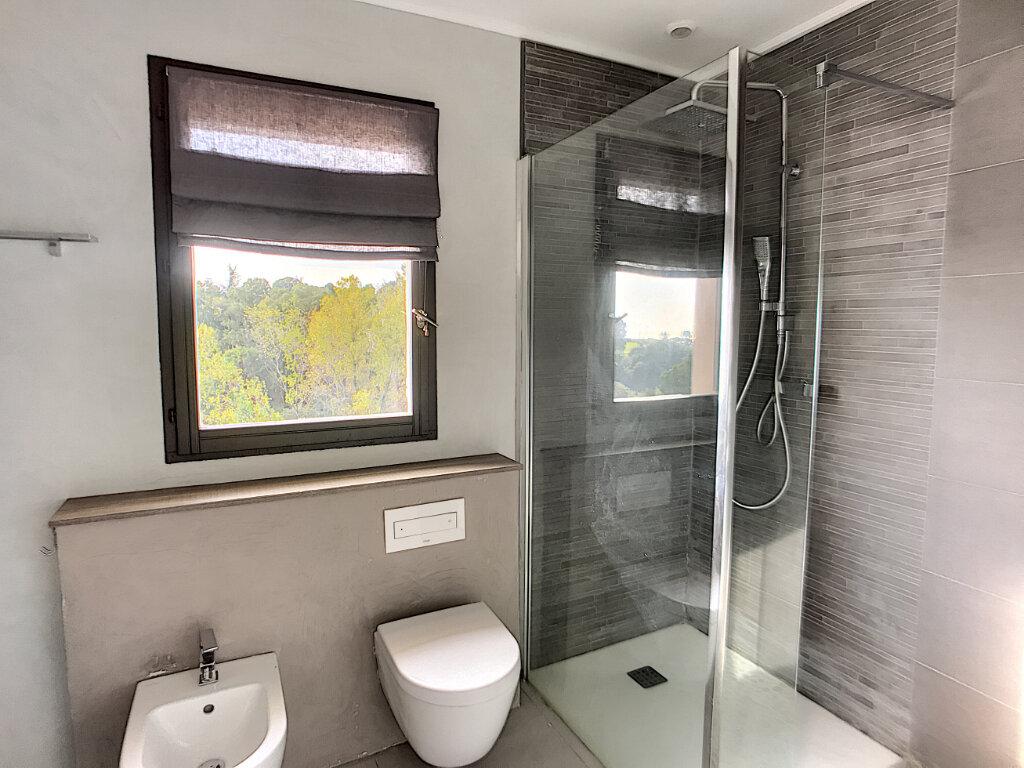 Maison à vendre 5 125m2 à Villeneuve-Loubet vignette-10