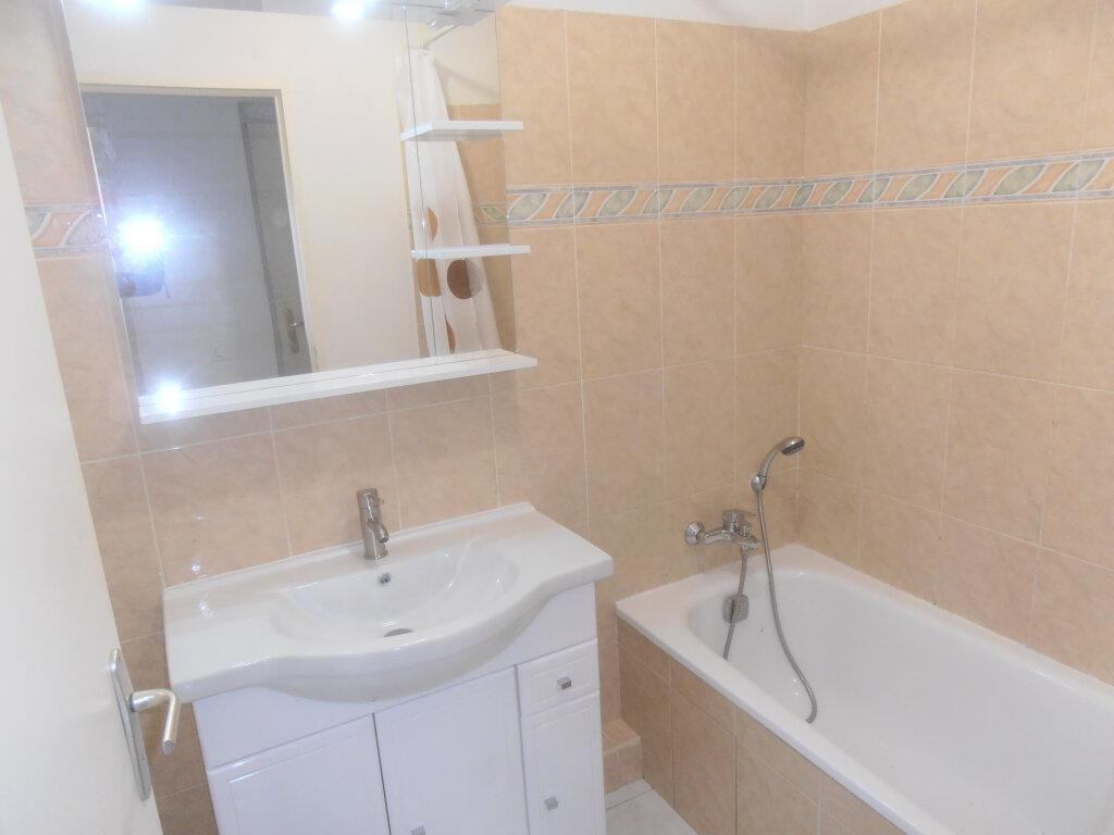 Appartement à louer 2 43.5m2 à Villeneuve-Loubet vignette-6