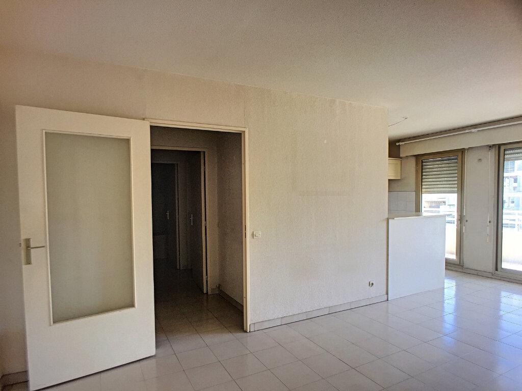 Appartement à vendre 2 52m2 à Cagnes-sur-Mer vignette-3