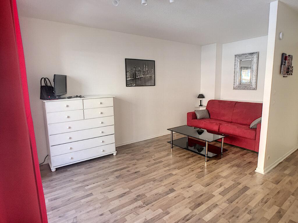 Appartement à vendre 1 29m2 à Cagnes-sur-Mer vignette-1