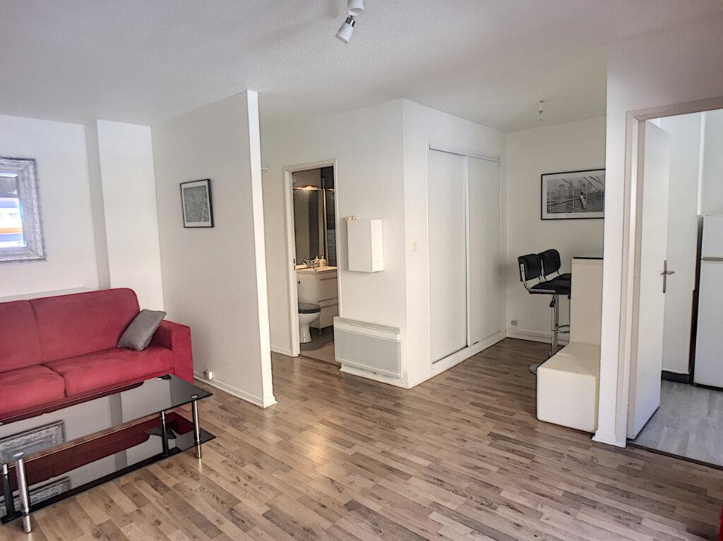 Appartement à vendre 1 29m2 à Cagnes-sur-Mer vignette-2