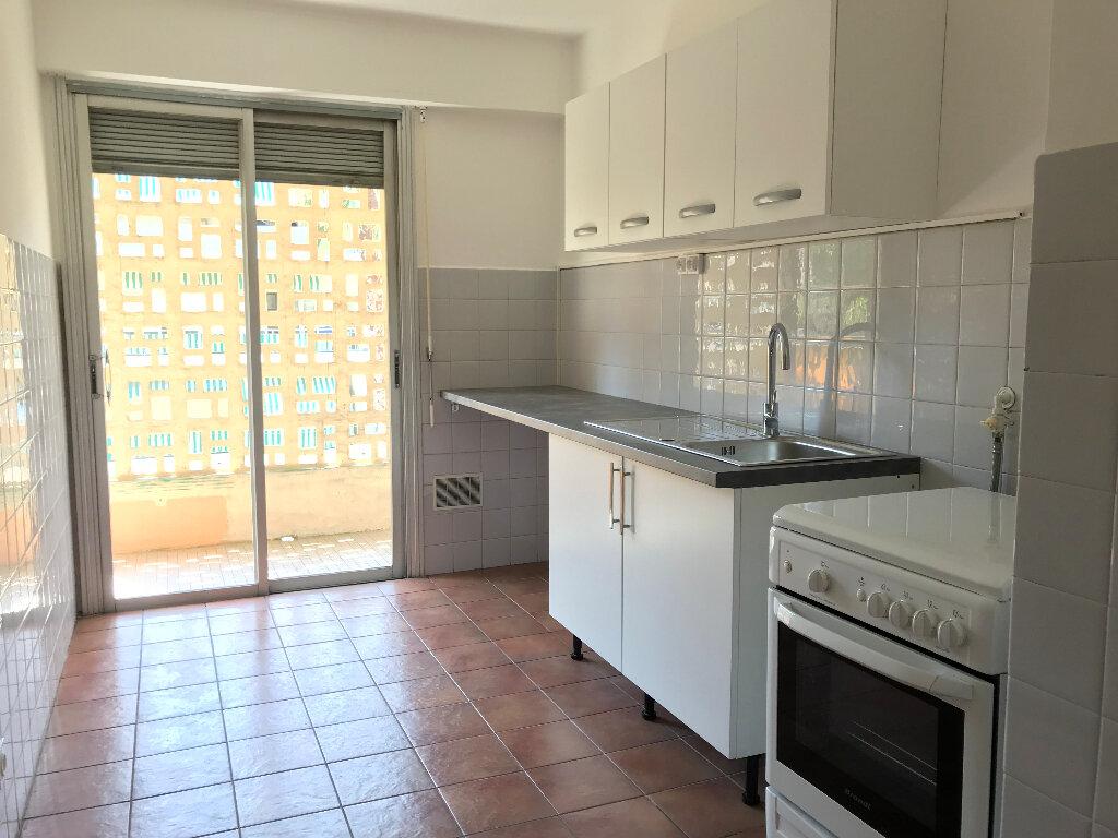 Appartement à louer 2 51.67m2 à Cagnes-sur-Mer vignette-1