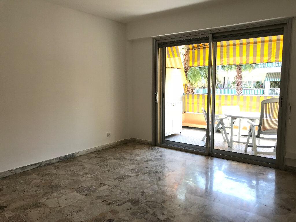 Appartement à louer 2 51.67m2 à Cagnes-sur-Mer vignette-2