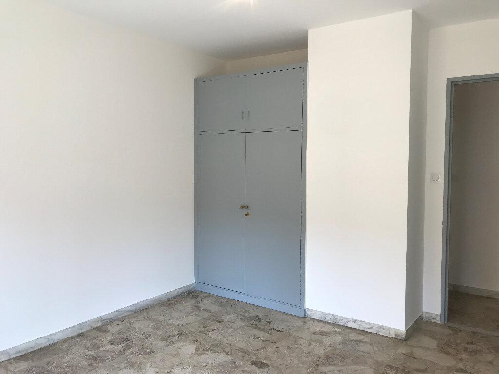 Appartement à louer 2 51.67m2 à Cagnes-sur-Mer vignette-5