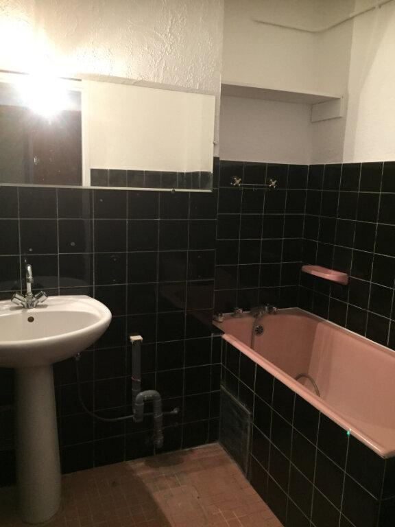 Appartement à louer 1 29m2 à Cagnes-sur-Mer vignette-2