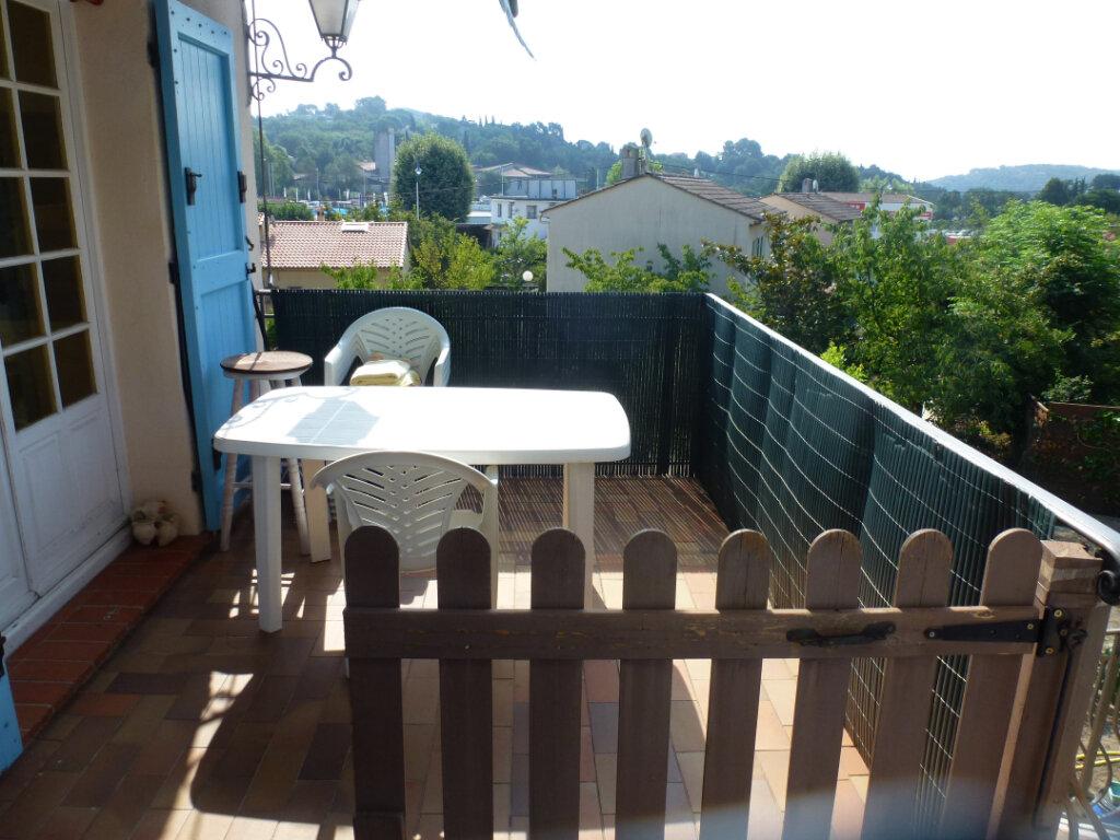 Appartement à louer 4 113.9m2 à Cagnes-sur-Mer vignette-2