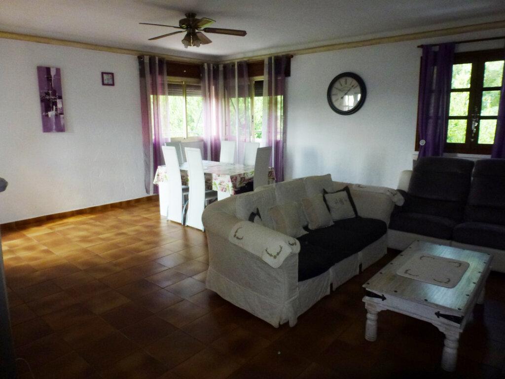 Appartement à louer 4 113.9m2 à Cagnes-sur-Mer vignette-3