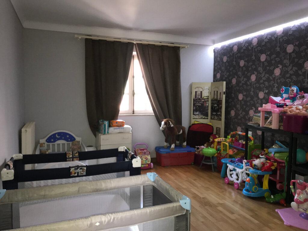 Appartement à louer 4 113.9m2 à Cagnes-sur-Mer vignette-7
