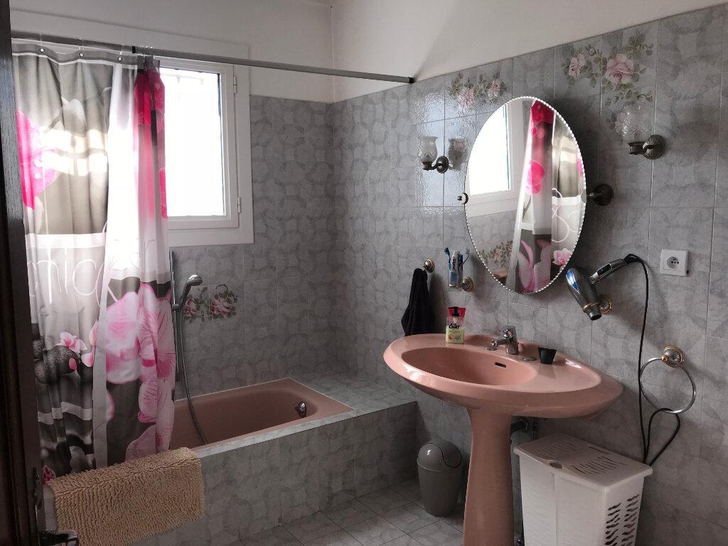 Appartement à louer 4 113.9m2 à Cagnes-sur-Mer vignette-9