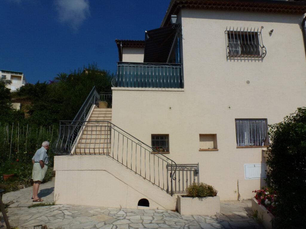 Appartement à louer 4 113.9m2 à Cagnes-sur-Mer vignette-10