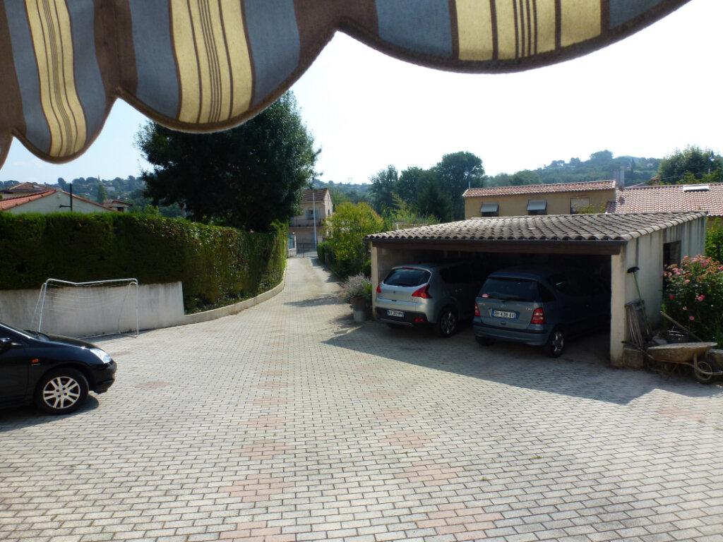 Appartement à louer 4 113.9m2 à Cagnes-sur-Mer vignette-11