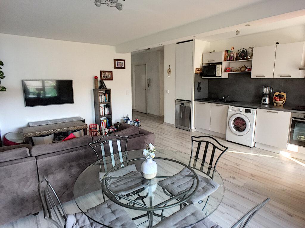 Appartement à vendre 4 77m2 à Saint-Laurent-du-Var vignette-1