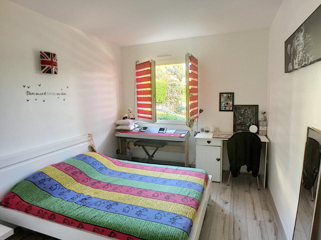 Appartement à vendre 4 77m2 à Saint-Laurent-du-Var vignette-4