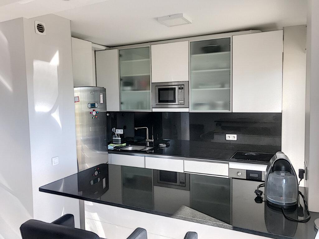 Appartement à louer 2 46.32m2 à Cagnes-sur-Mer vignette-3