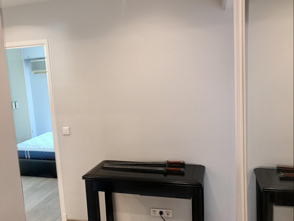 Appartement à louer 2 46.32m2 à Cagnes-sur-Mer vignette-4