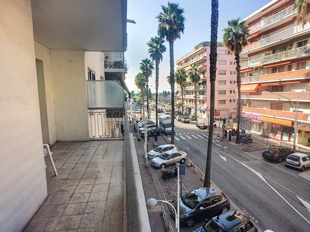 Appartement à vendre 3 77m2 à Cagnes-sur-Mer vignette-1