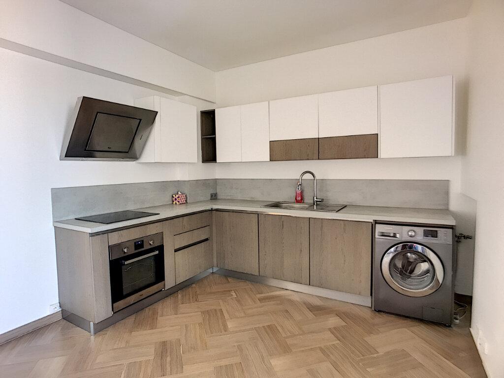 Appartement à vendre 4 76m2 à Cagnes-sur-Mer vignette-3