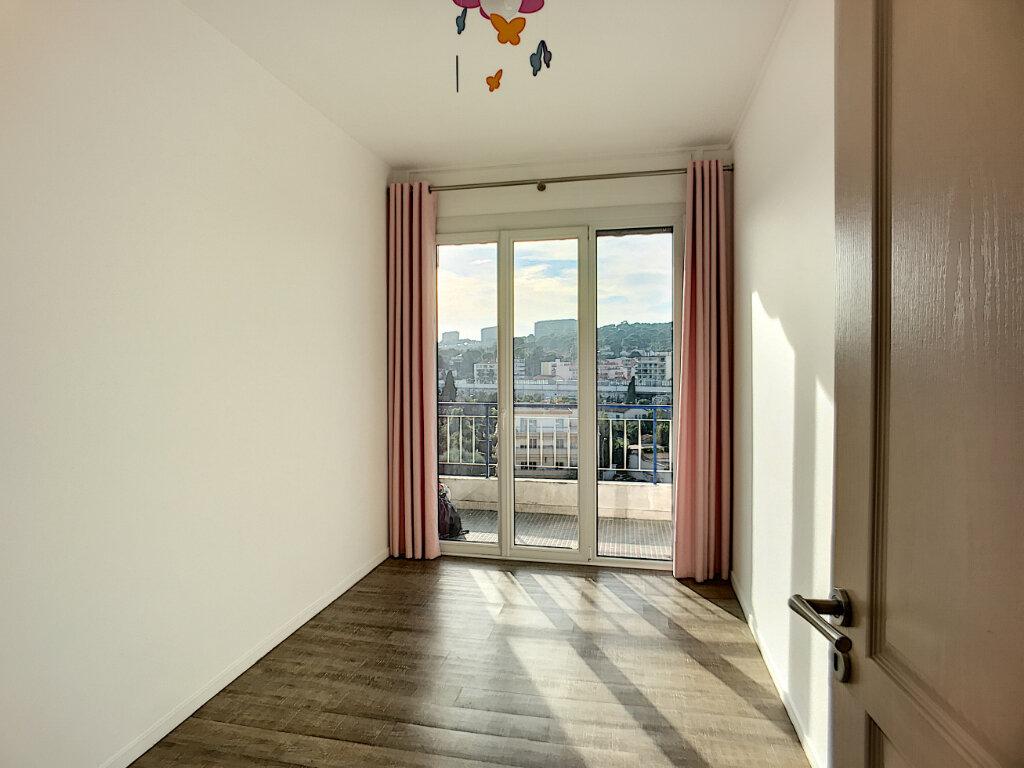 Appartement à vendre 4 76m2 à Cagnes-sur-Mer vignette-6