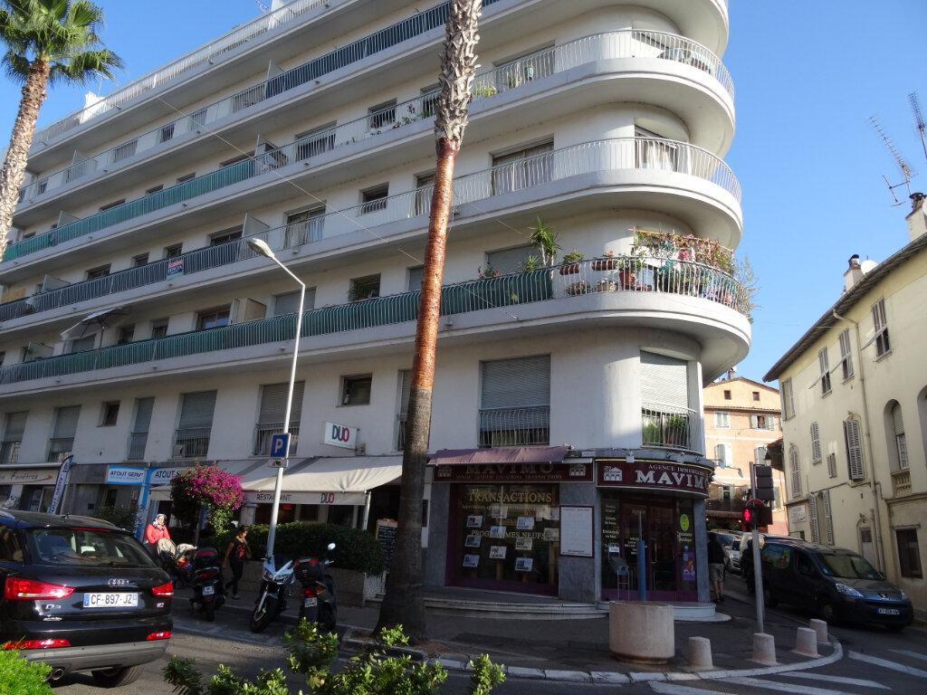 Appartement à louer 3 63m2 à Cagnes-sur-Mer vignette-1