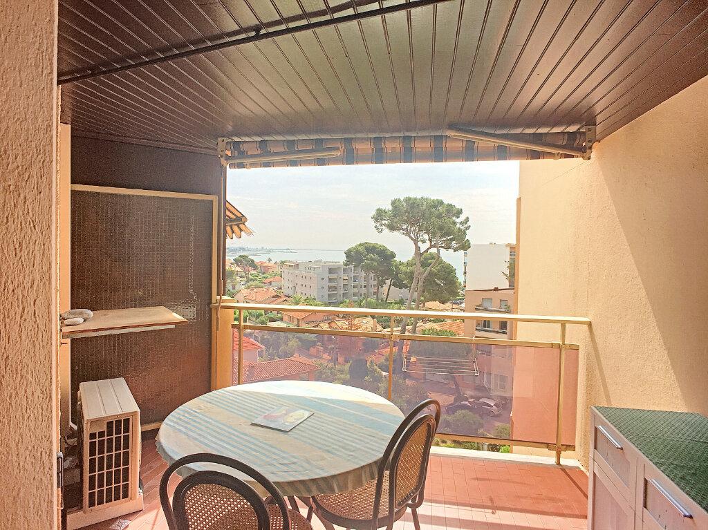 Appartement à louer 2 33.6m2 à Cagnes-sur-Mer vignette-2