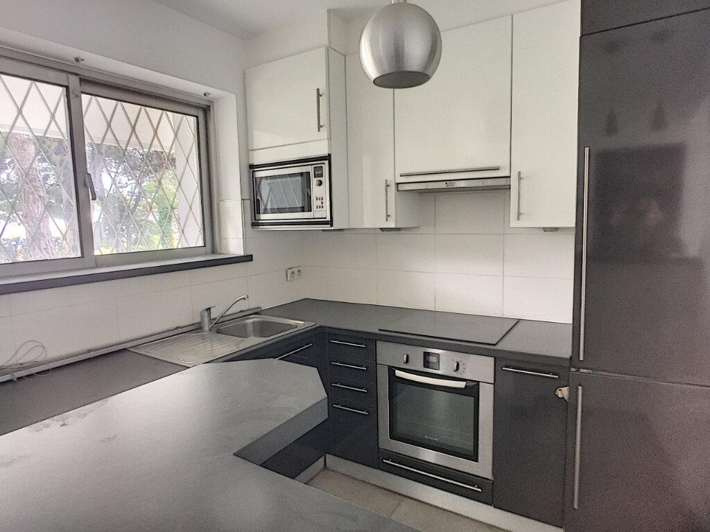 Appartement à vendre 2 49.1m2 à Villeneuve-Loubet vignette-4