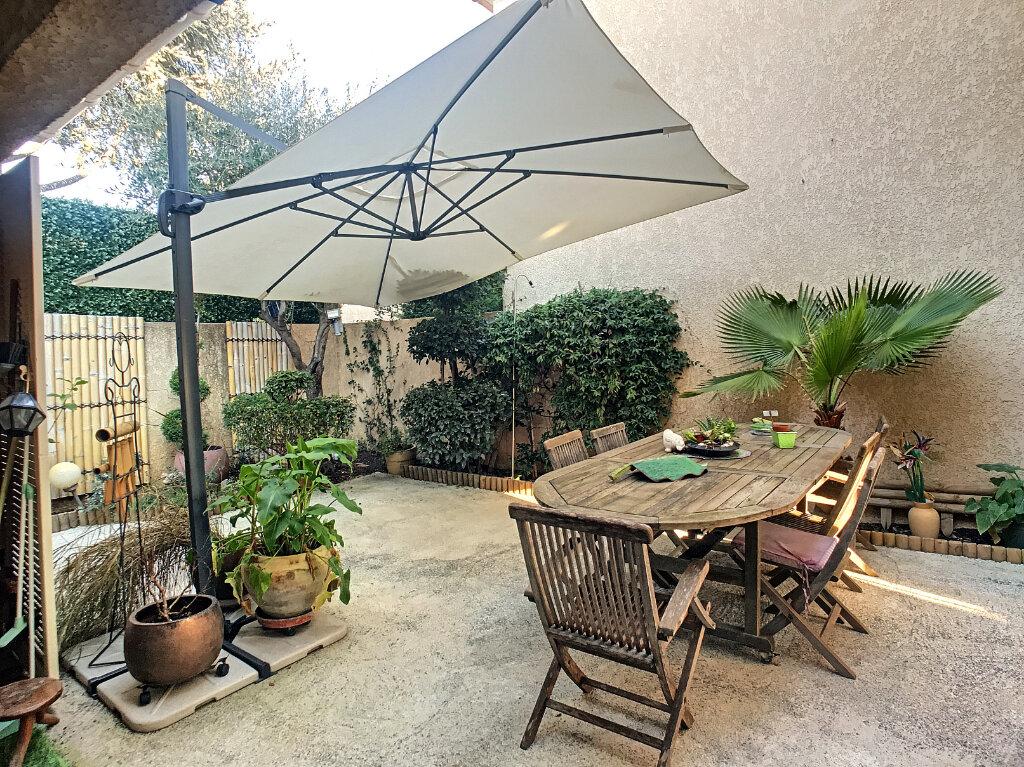 Maison à vendre 4 113m2 à Villeneuve-Loubet vignette-7