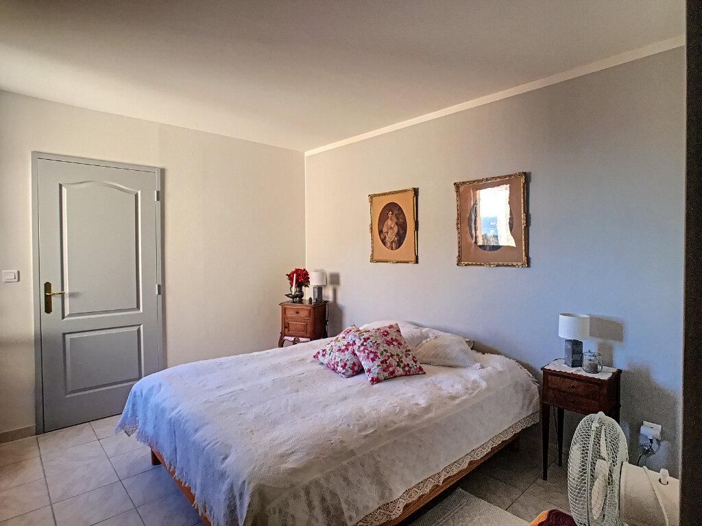 Maison à vendre 4 113m2 à Villeneuve-Loubet vignette-8