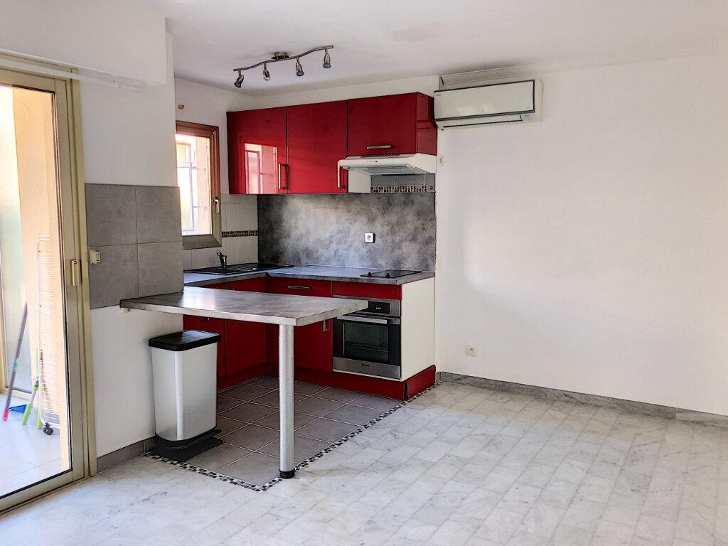 Appartement à louer 1 25.45m2 à Villeneuve-Loubet vignette-1