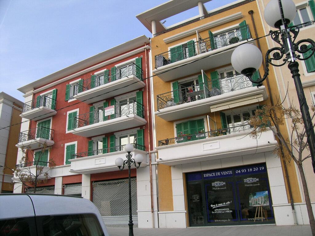 Appartement à louer 3 68.95m2 à Cagnes-sur-Mer vignette-2