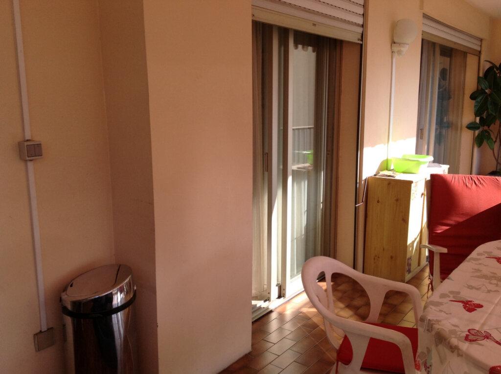 Appartement à louer 1 30m2 à Saint-Laurent-du-Var vignette-7
