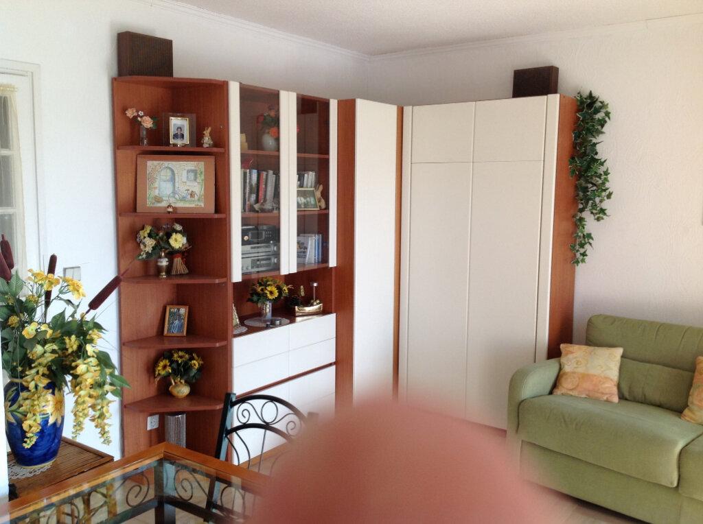 Appartement à louer 1 30m2 à Saint-Laurent-du-Var vignette-8