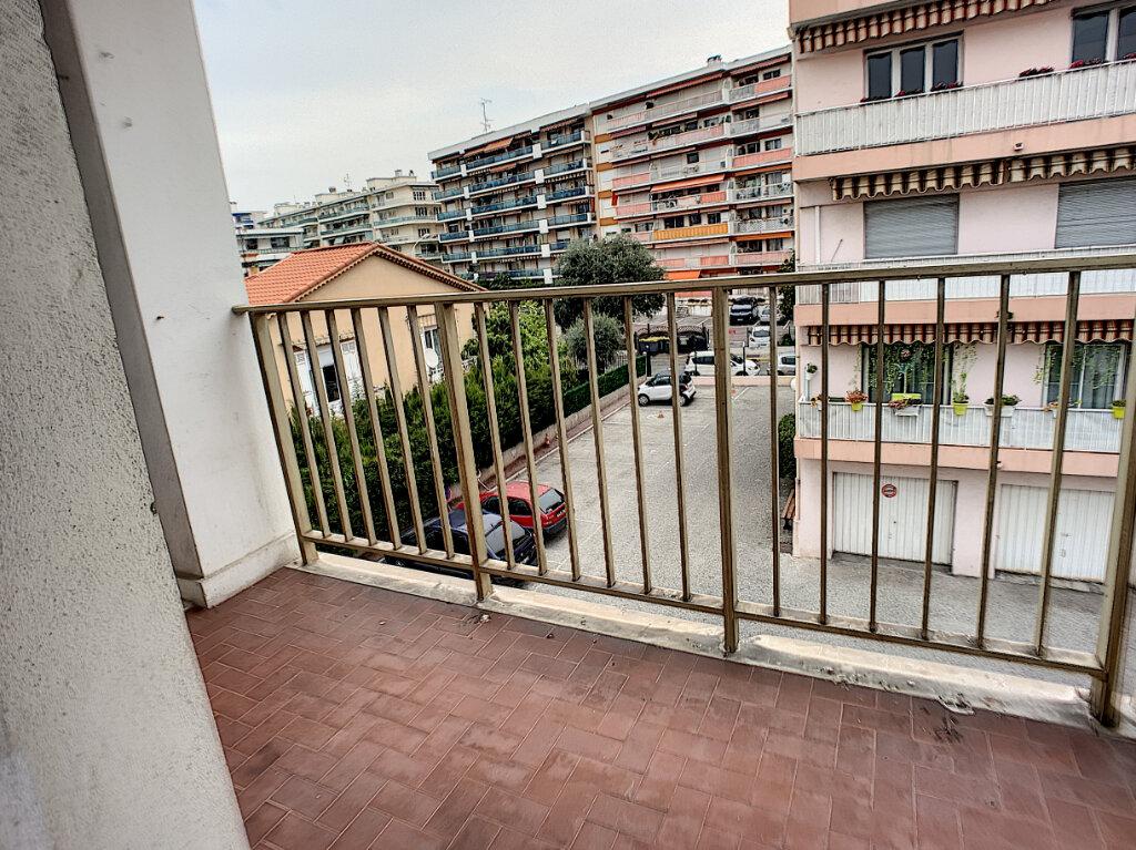 Appartement à vendre 2 41.76m2 à Cagnes-sur-Mer vignette-6