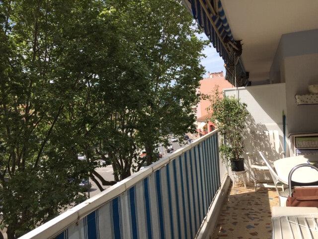 Appartement à vendre 3 81.3m2 à Cagnes-sur-Mer vignette-1