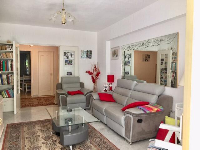 Appartement à vendre 3 81.3m2 à Cagnes-sur-Mer vignette-3