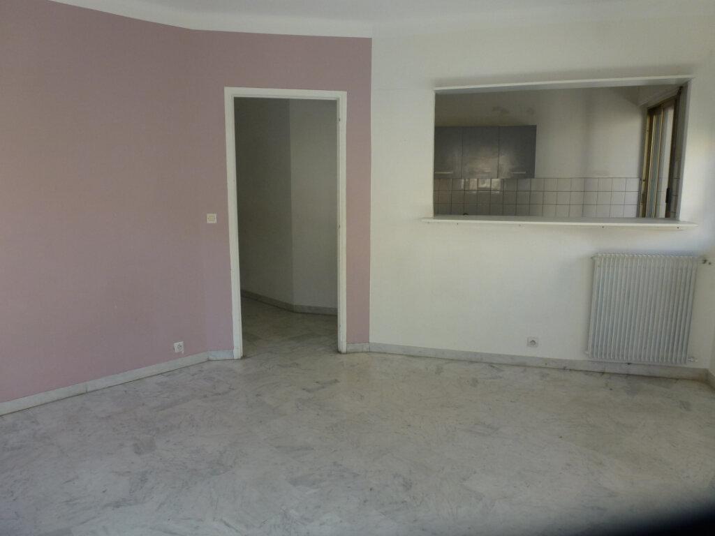 Appartement à louer 3 62.5m2 à Cagnes-sur-Mer vignette-3