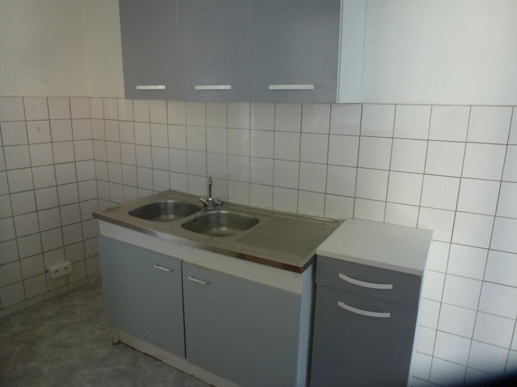 Appartement à louer 3 62.5m2 à Cagnes-sur-Mer vignette-4