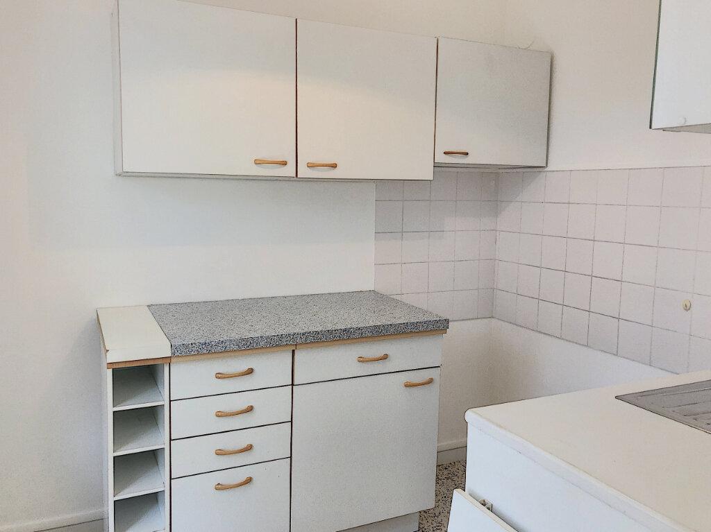 Appartement à louer 1 27.2m2 à Cagnes-sur-Mer vignette-4