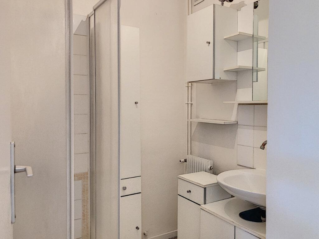 Appartement à louer 1 27.2m2 à Cagnes-sur-Mer vignette-5