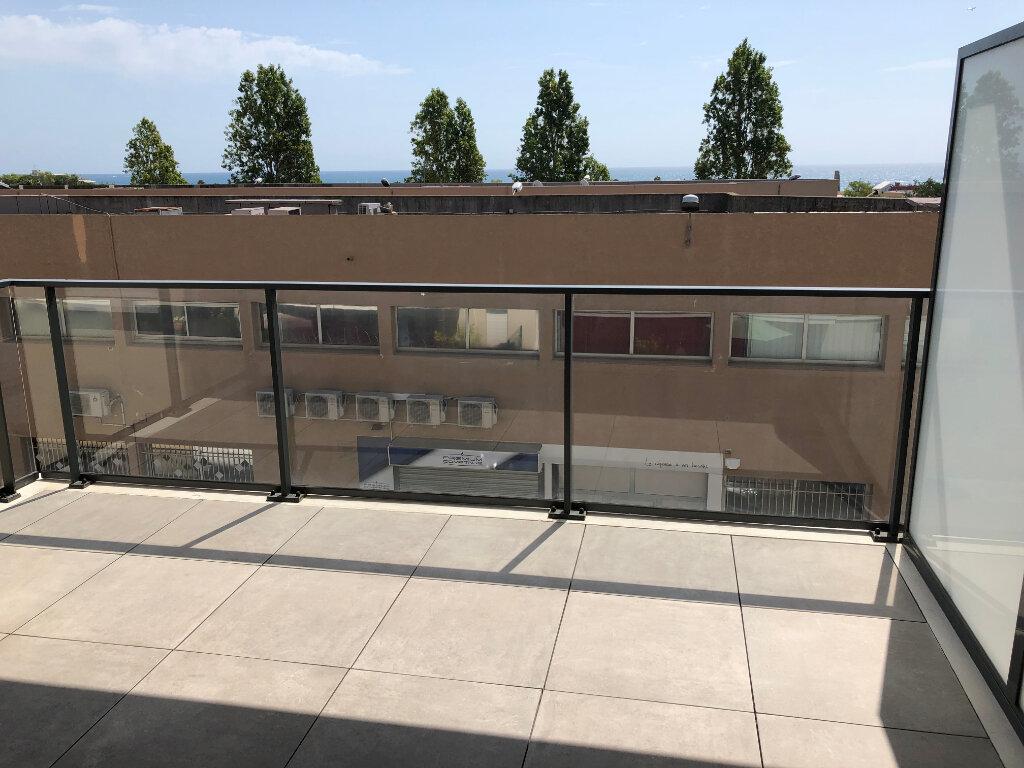 Appartement à louer 2 44.24m2 à Villeneuve-Loubet vignette-1