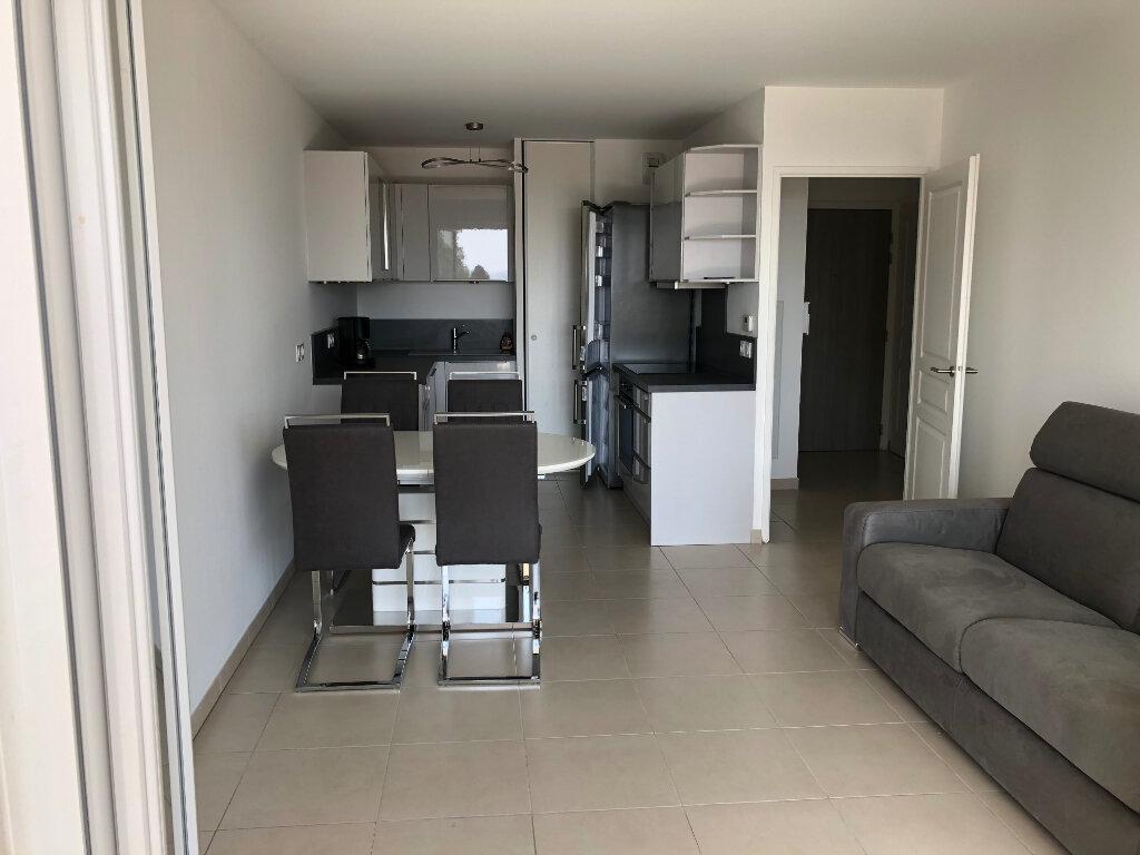 Appartement à louer 2 44.24m2 à Villeneuve-Loubet vignette-2
