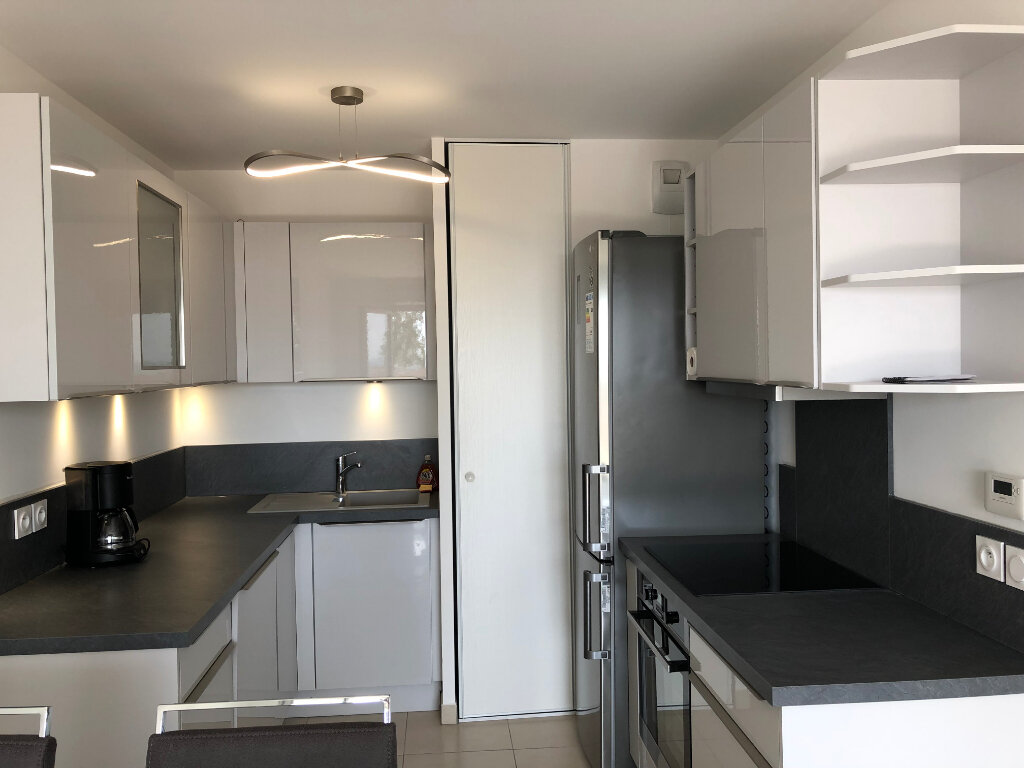 Appartement à louer 2 44.24m2 à Villeneuve-Loubet vignette-4