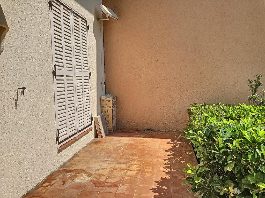 Appartement à louer 2 45m2 à Villeneuve-Loubet vignette-2