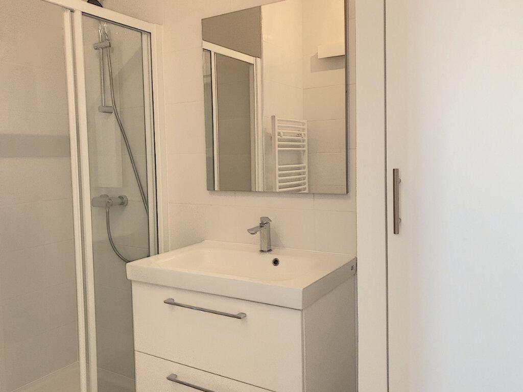 Appartement à louer 2 45m2 à Villeneuve-Loubet vignette-5