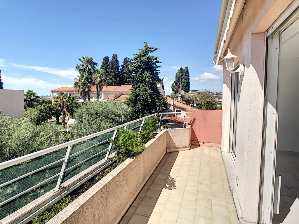 Appartement à louer 2 48.05m2 à Saint-Laurent-du-Var vignette-1