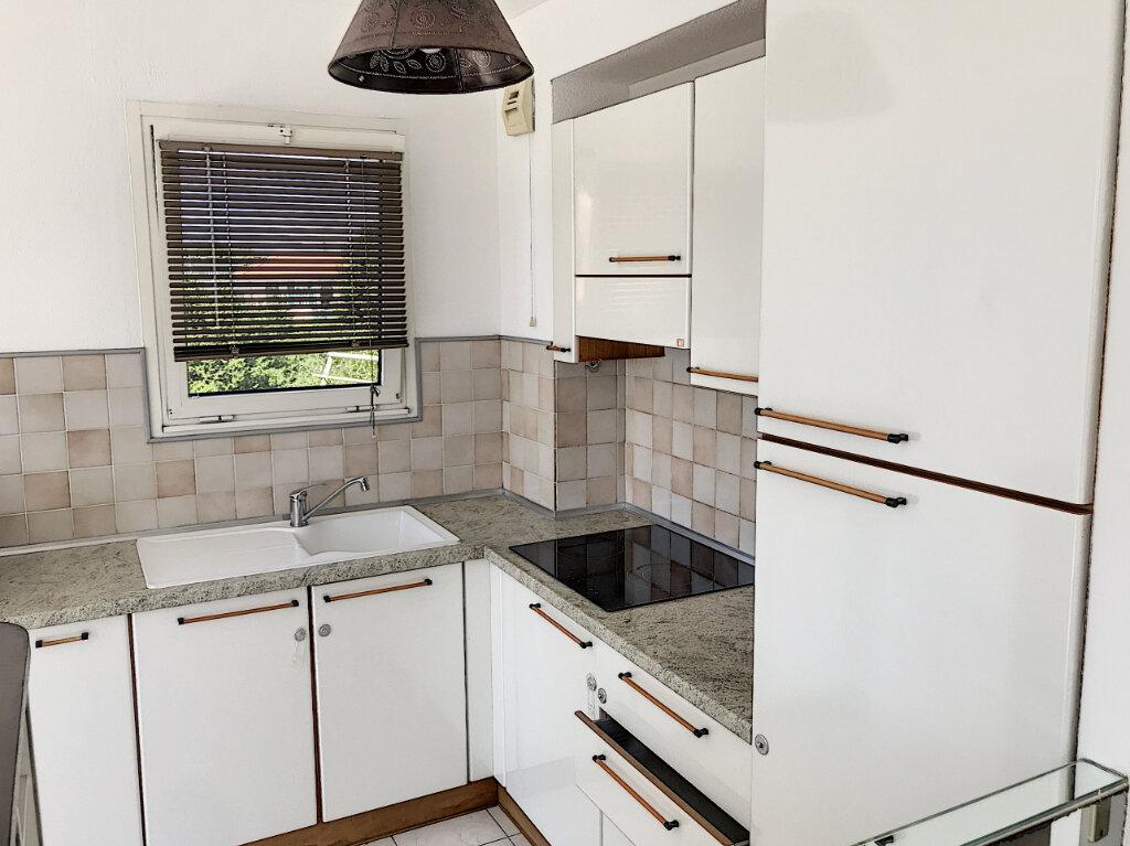 Appartement à louer 2 48.05m2 à Saint-Laurent-du-Var vignette-3