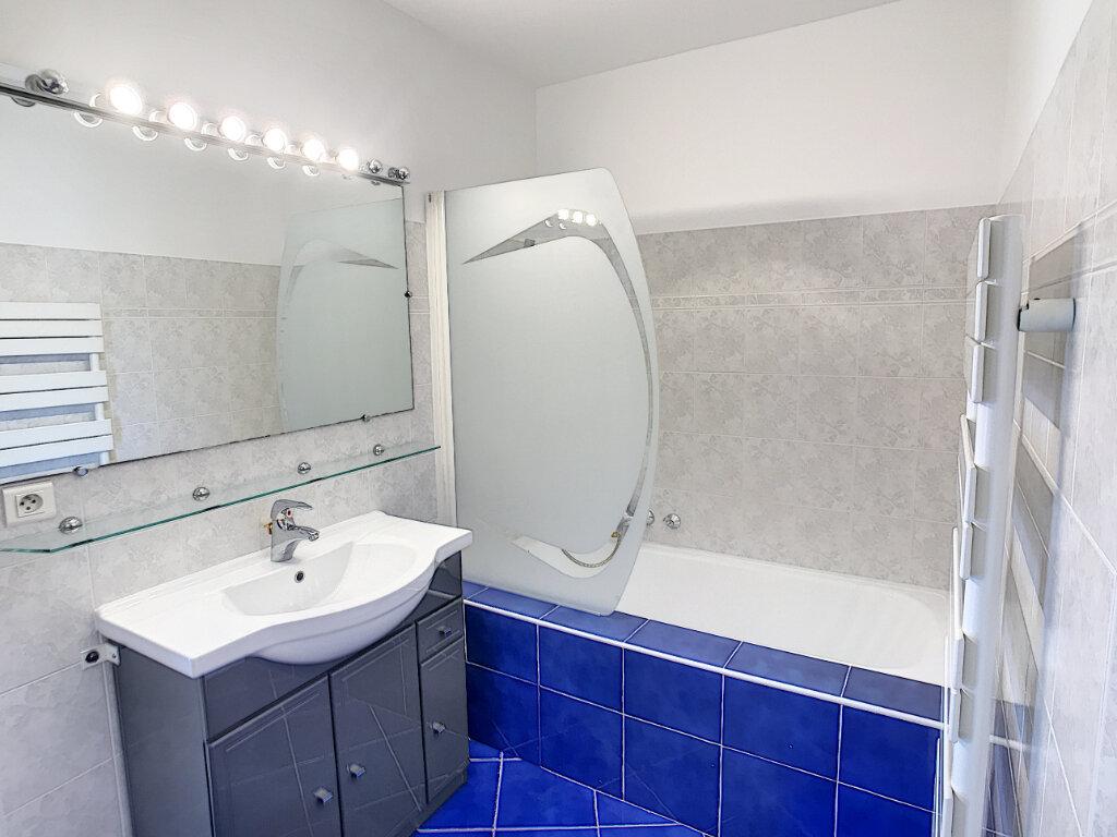 Appartement à louer 2 48.05m2 à Saint-Laurent-du-Var vignette-4