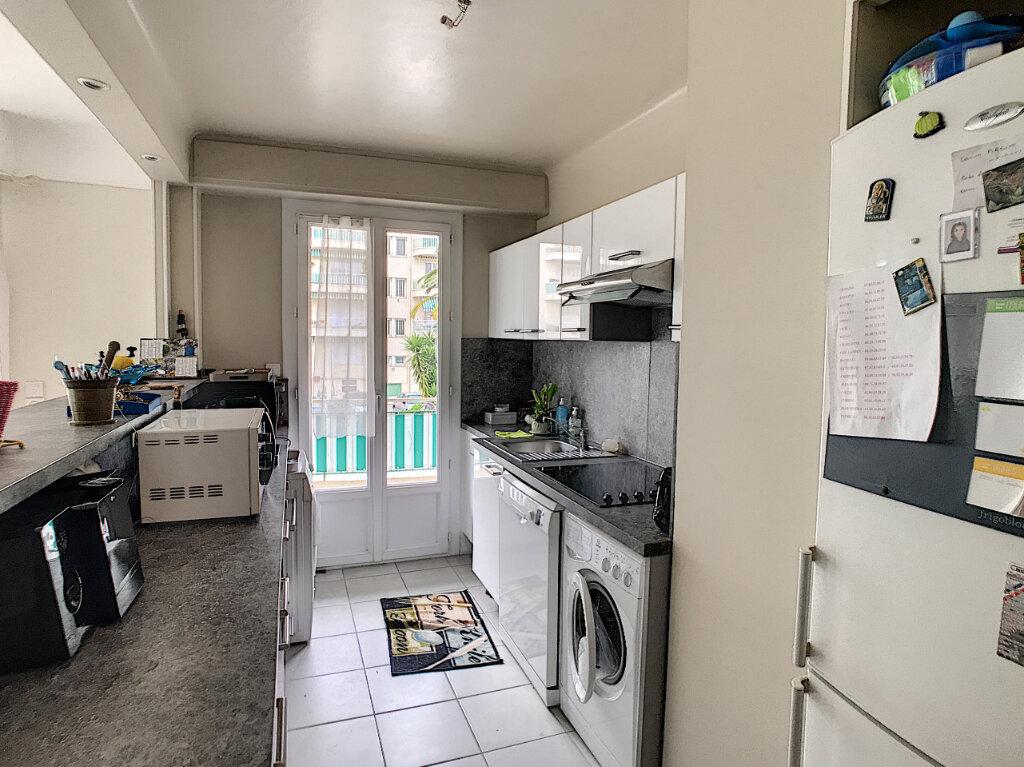 Appartement à louer 3 62.05m2 à Cagnes-sur-Mer vignette-3