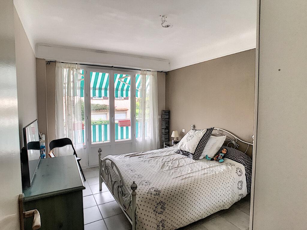 Appartement à louer 3 62.05m2 à Cagnes-sur-Mer vignette-4