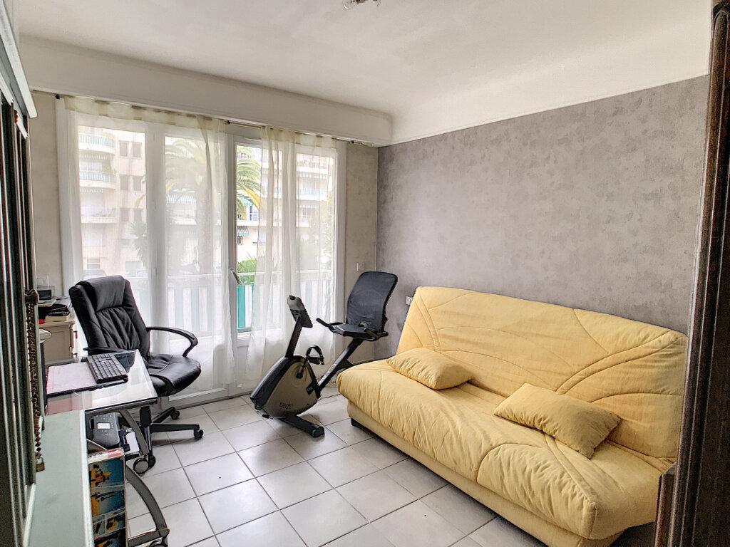 Appartement à louer 3 62.05m2 à Cagnes-sur-Mer vignette-5