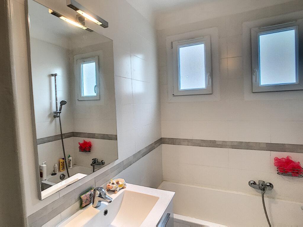Appartement à louer 3 62.05m2 à Cagnes-sur-Mer vignette-6